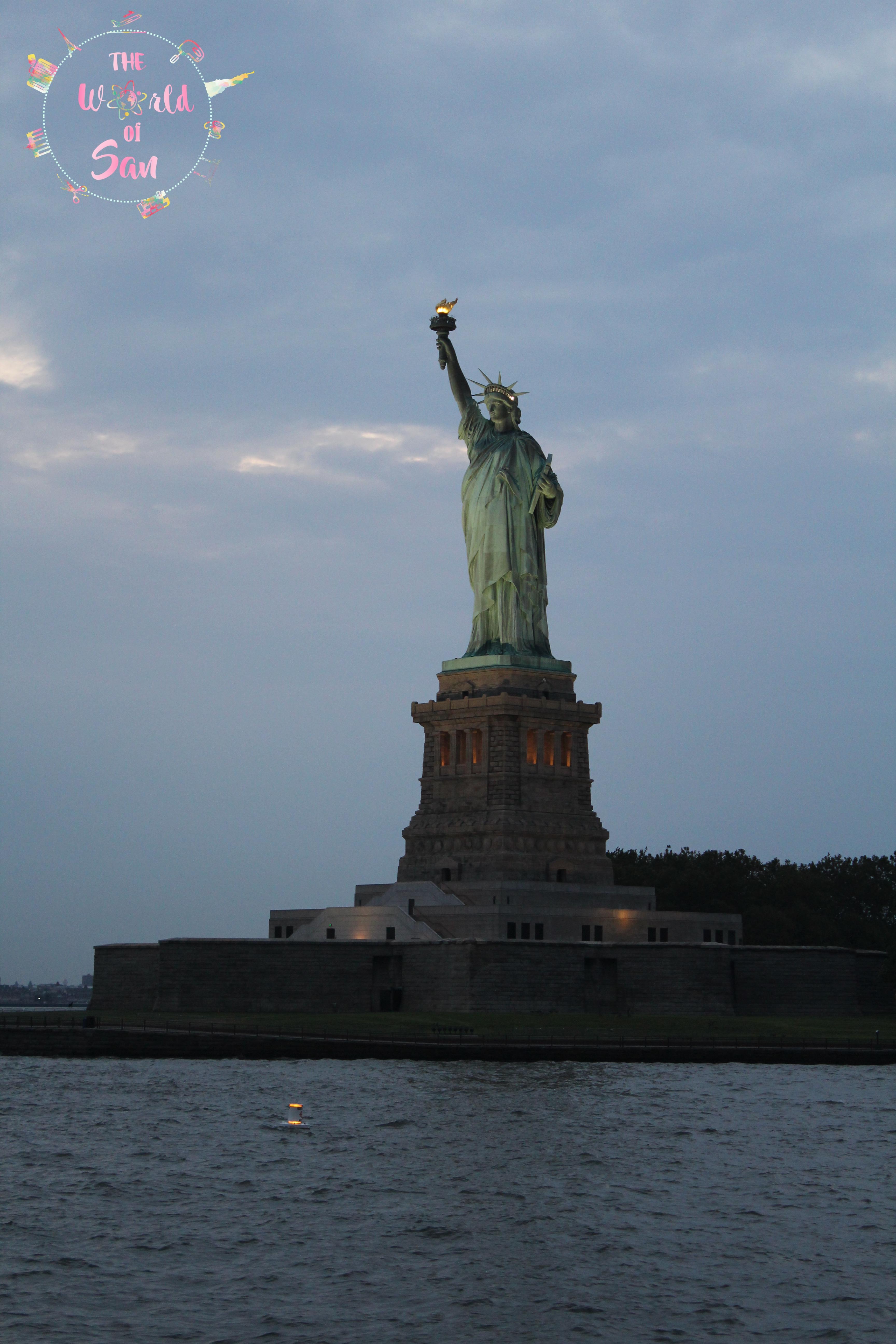 estatua noche